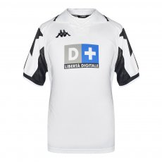 Juventus 1999/00 away shirt